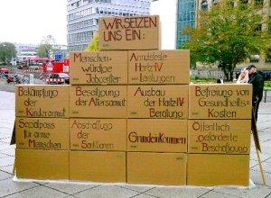 Hartz-IV-Aktion 17-10-15 Forderungen-Wand